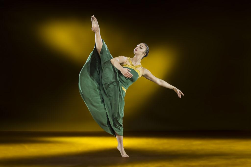 Trittico Akerusia Danza al Teatro Mediterraneo